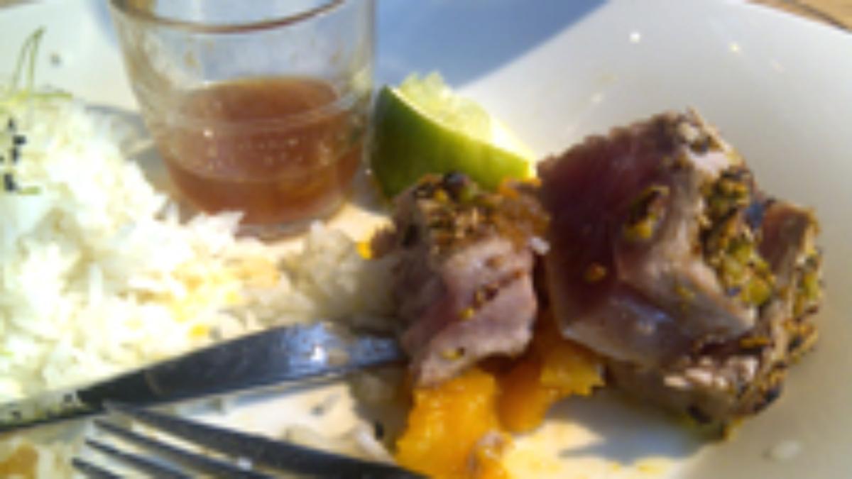 Mi-cuit de thon au mangues, ananas et gingembre